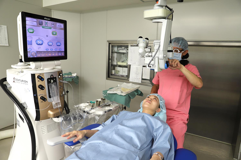 多焦点眼内レンズを使用した白内障手術
